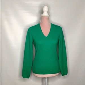 Lord and Taylor green cashmere sweater v-neck.